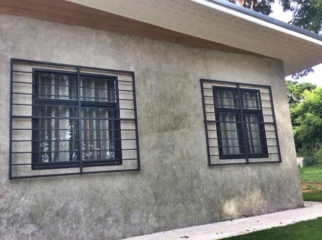 หน้าต่างบ้านชั้นเดียว สไตล์โมเดิร์นลอฟท์ ผนังปูน